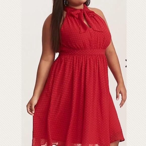 a086cf03b39 3x 22w TORRID Texture Red Chiffon High Neck Dress